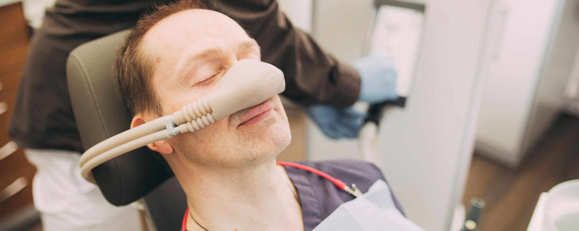 Anästhesie für schonende Behandlungen beim Zahnarzt in Baden-Baden.