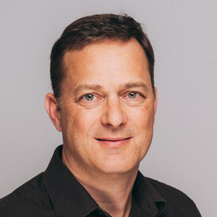 Zahnarzt Dr. Torsten Kamm in der Zahngesundheit Baden-Baden.