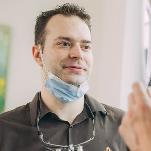 Dr. Andreas Euchner ist Ihr Zahnarzt für Zahnumformungen in Baden-Baden.